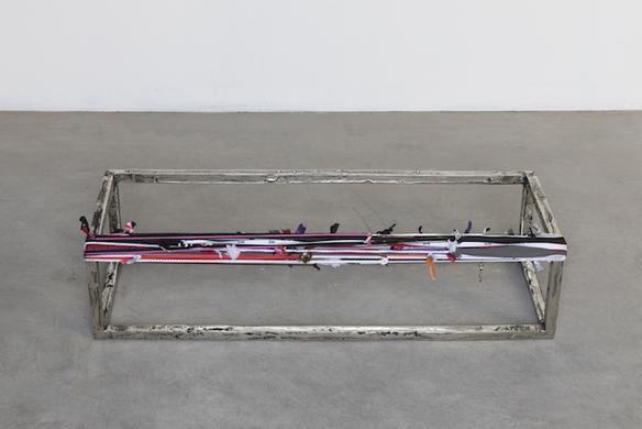 Parallelepipedo incompleto con perimetro, 2018 white bronze and strings 19 x 84 x 29 cm