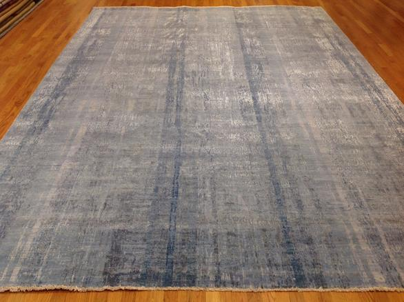 Wool and silk, hand-woven 200 knots Available in 9' x 12' Made to custom sizes and colors #2